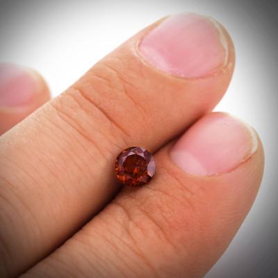 0.93 carat, Garnet, Round Shape