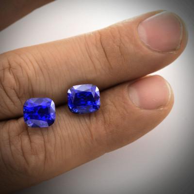 11.05 carats, Royal blue, Sri-Lankan Sapphire, cushion shape, g