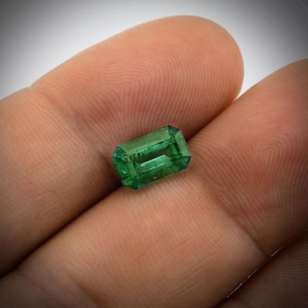 2.02 carat, Green, ZAMBIAN Emerald, Radiant Shape, CD