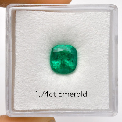 1.74 карат, зеленый, колумбийский изумруд, формы валика