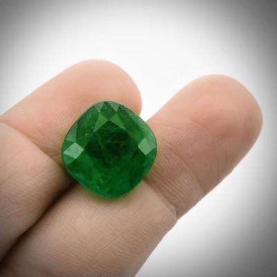9.35 карат, зеленый, колумбийский изумруд, подушкообразной формы, мелкие, гр