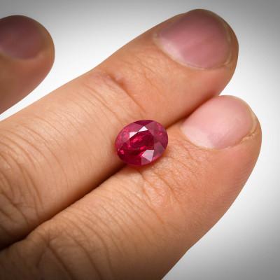 3,00 карат, голубиная кровь, бирманский рубин, овальной формы, гр