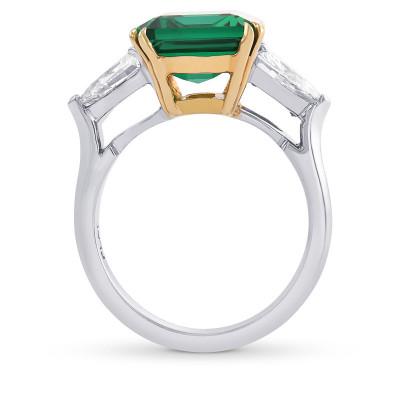 Extraordinary Zambian Emerald shape Emerald and Diamond 3 Stone Ring. (6.21Ct TW)