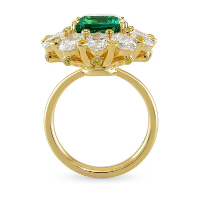 No Oil Zambian Emerald and Fancy Intense Yellow Diamond Extraordinary Ring (9.82Ct TW)