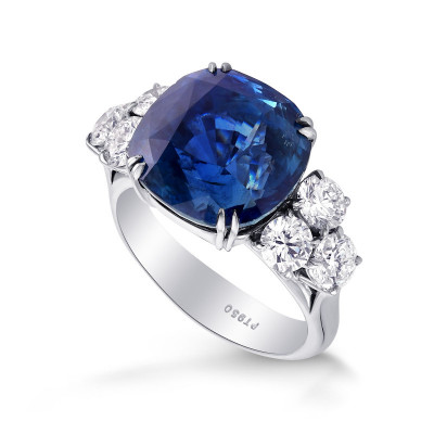 Extraordinary Cushion Sapphire and Diamond Side Stone  Ring (15.12Ct TW)