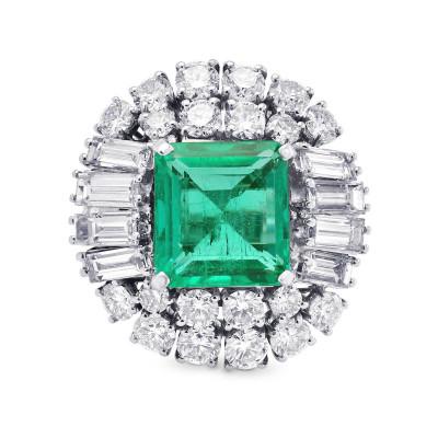 Extraordinary Emerald shape Emerald and Diamond Ring (9.69Ct TW)