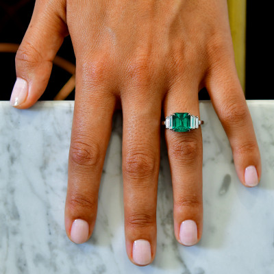 Emerald and Diamond Extraordinary Side Stone Ring (4.41Ct TW)