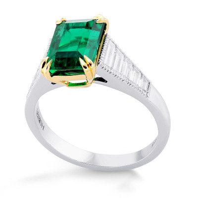 Colombian Emerald and Diamond Sidestone Ring (3.17Ct TW)