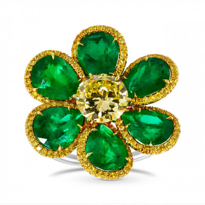 Brilliant Fancy Yellow Diamond  and Pear Shape Emerald Couture Ring. (7.75Ct TW)